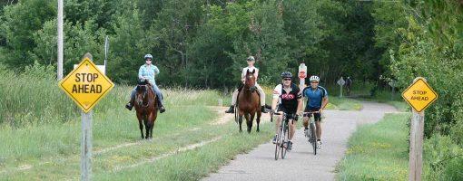 Gateway horses and bikers