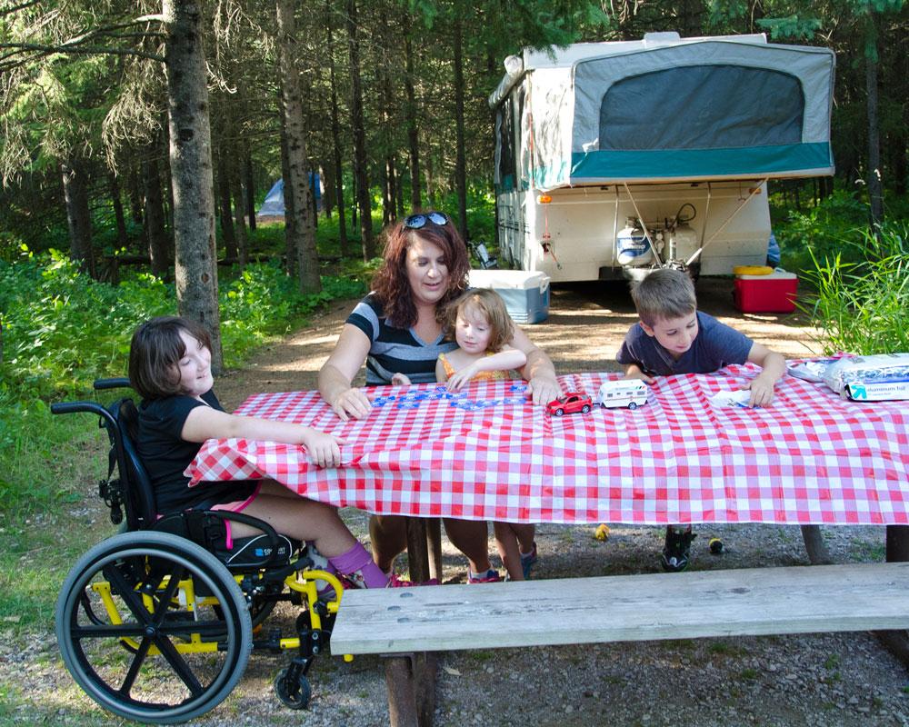 Accessible picnic table at Jay Cooke. Deborah Rose/MnDNR