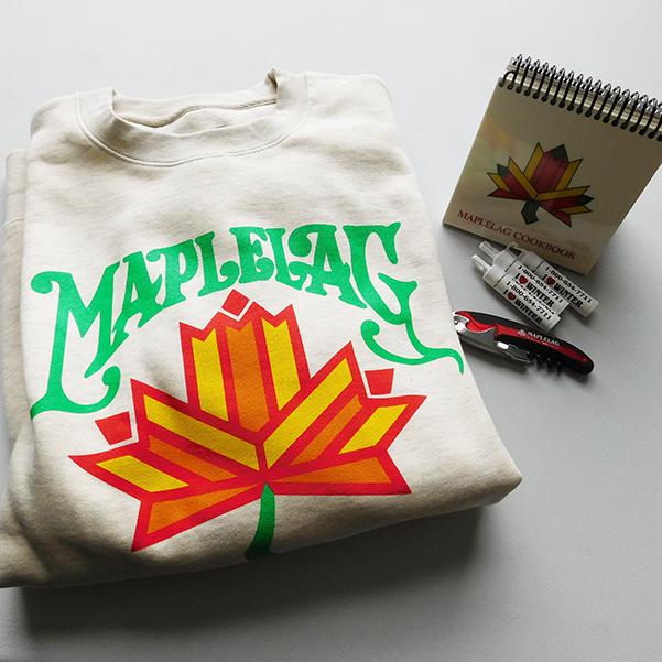 Sweatshirt with Maplelag written on it